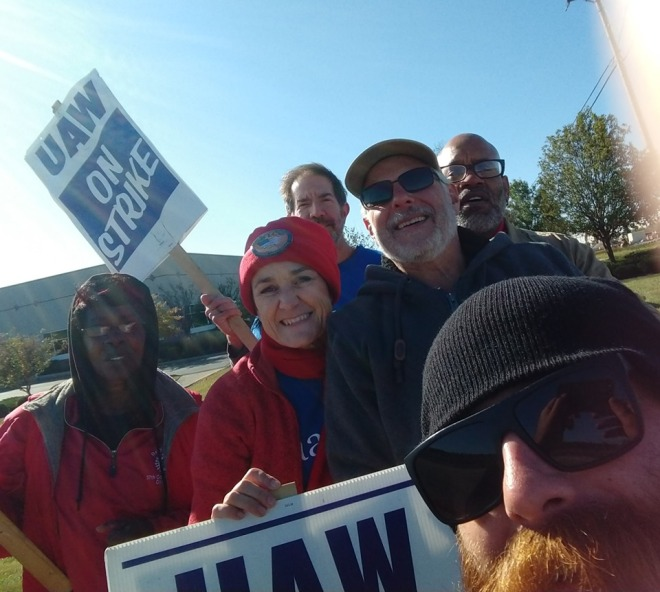 AAUP-WSU with UAW Strikers 4