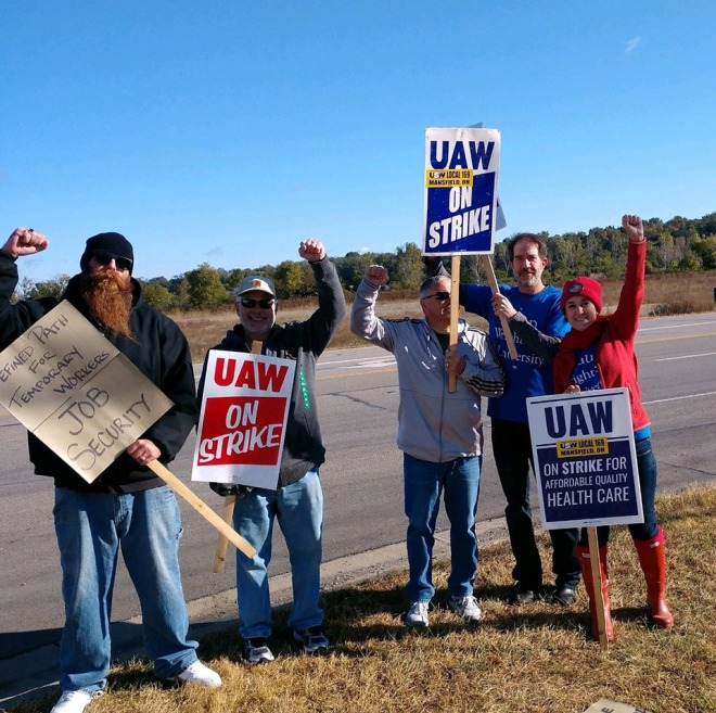 AAUP-WSU with UAW Strikers 5